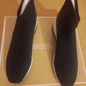 MICHAEL Kors skyler booties